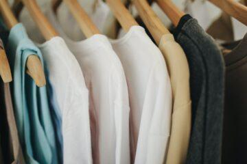 Met deze tips ruim jij jouw kledingkast zonder problemen op